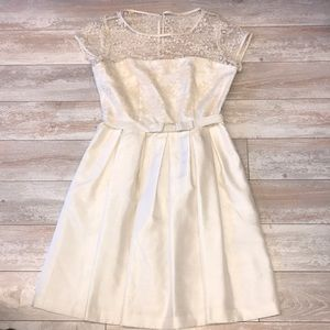Taylor Off-white Dress Size 8 With Lace Detail